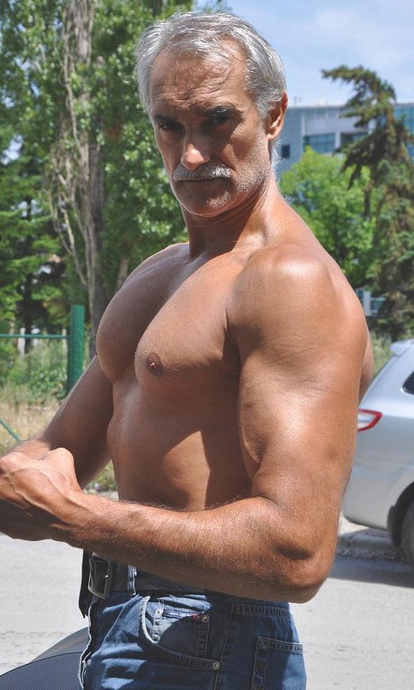 доц. д-р Юлиан Карабиберов, основател JK Fitness Gym