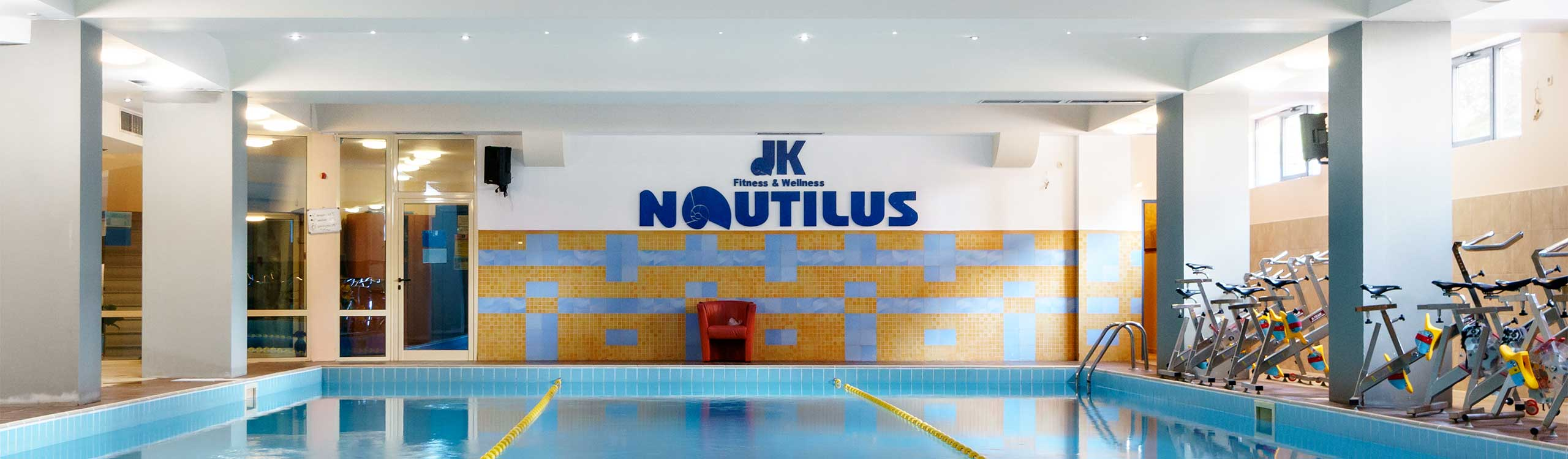 Басейн — JK Fitness & Wellness Spa Nautilus